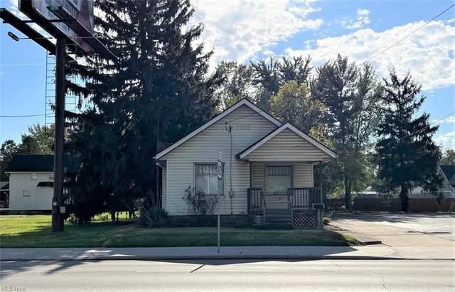 2232 Youngstown Road SE, Warren, OH 44484 (MLS #4327426) :: The Crockett Team, Howard Hanna