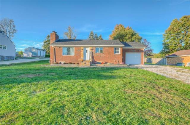 11591 Taylor Street NE, Alliance, OH 44601 (MLS #4327518) :: The Holly Ritchie Team