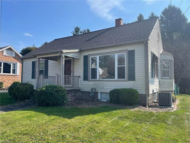 742 Manor Lane, East Liverpool, OH 43920 (MLS #4328679) :: RE/MAX Trends Realty