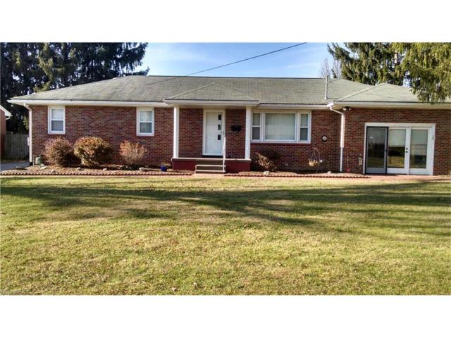 823 Campbell Dr, Belpre, OH 45714 (MLS #3962584) :: Tammy Grogan and Associates at Cutler Real Estate