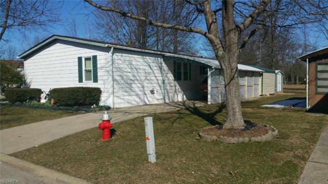 4 Dogwood Ln, Olmsted Township, OH 44138 (MLS #3980983) :: Keller Williams Chervenic Realty