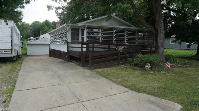 620 Crawford Ave, Barberton, OH 44203 (MLS #4009885) :: Keller Williams Chervenic Realty
