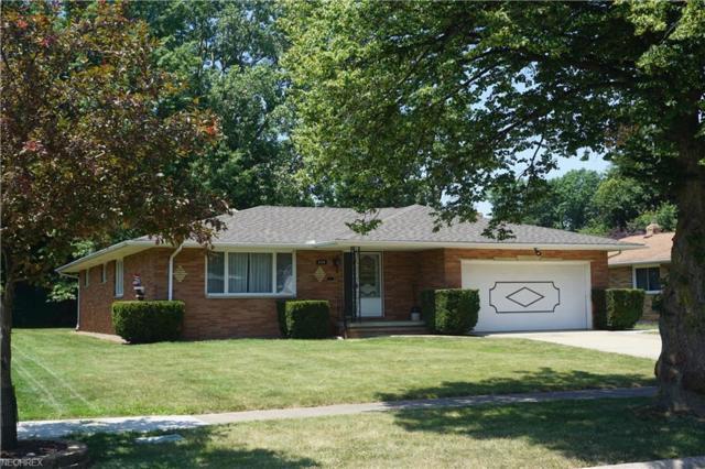 6154 Carlyle Dr, Seven Hills, OH 44131 (MLS #4018278) :: The Crockett Team, Howard Hanna
