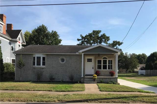 121 W 8th Street, Williamstown, WV 26187 (MLS #4122264) :: The Crockett Team, Howard Hanna