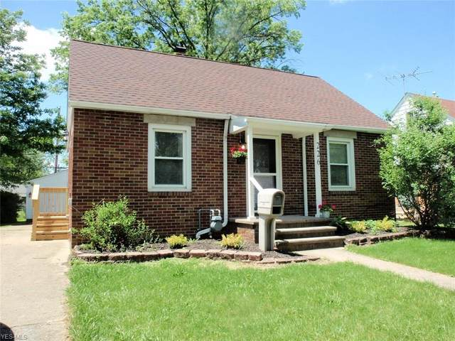 226 Brandtson Avenue, Elyria, OH 44035 (MLS #4192391) :: The Holly Ritchie Team