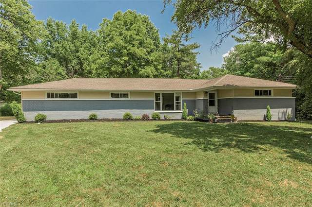 35205 Dixon Road, Willoughby Hills, OH 44094 (MLS #4193959) :: The Crockett Team, Howard Hanna