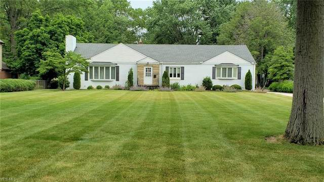30500 Wolf Road, Bay Village, OH 44140 (MLS #4199174) :: The Art of Real Estate