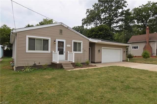 2724 Mohican Boulevard, Lakemore, OH 44312 (MLS #4209536) :: Keller Williams Chervenic Realty