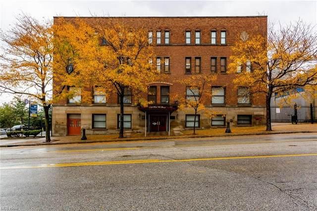 1133 W 9th Street #306, Cleveland, OH 44113 (MLS #4234248) :: The Kaszyca Team