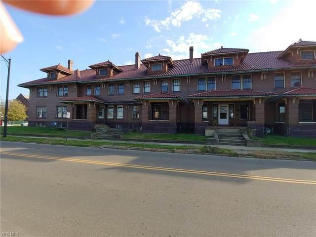603 Chestnut Street, Coshocton, OH 43812 (MLS #4241307) :: The Crockett Team, Howard Hanna