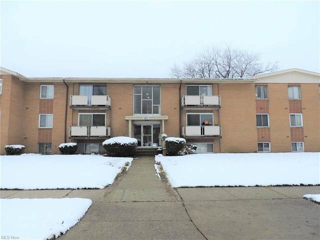 22011 River Oaks Drive A7, Rocky River, OH 44116 (MLS #4246091) :: Keller Williams Legacy Group Realty