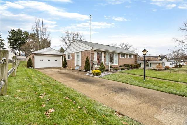 208 Lewis Avenue NW, New Philadelphia, OH 44663 (MLS #4250448) :: Krch Realty