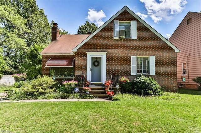 991 Pennfield Road, Cleveland Heights, OH 44121 (MLS #4259025) :: Keller Williams Chervenic Realty