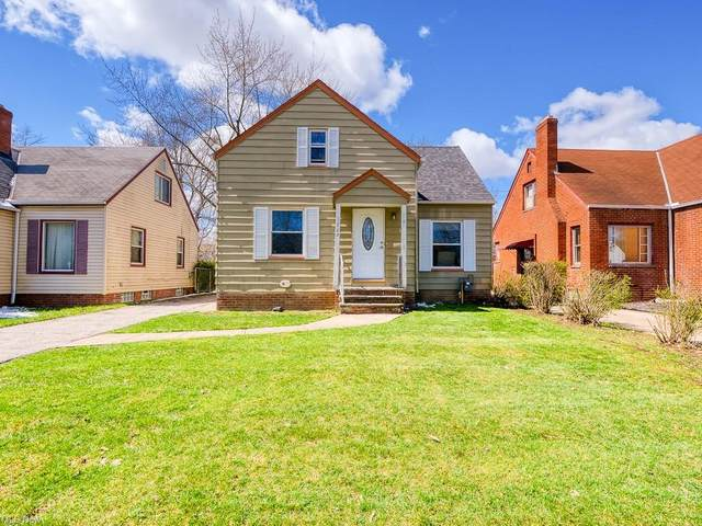 3864 Lee Heights Boulevard, Cleveland, OH 44128 (MLS #4268137) :: Keller Williams Chervenic Realty