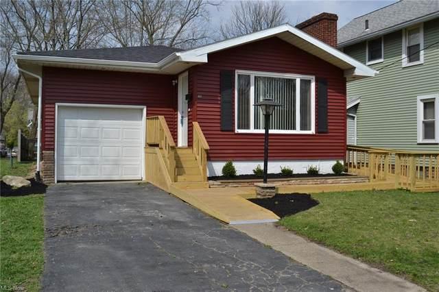 627 Fairfield Avenue NE, Warren, OH 44483 (MLS #4268372) :: The Holden Agency
