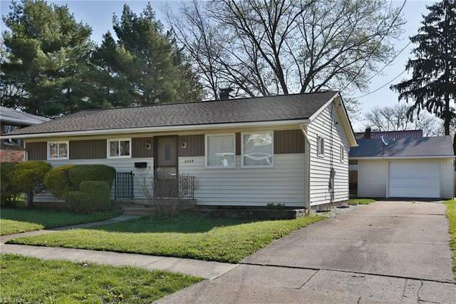 2439 11th Street, Cuyahoga Falls, OH 44221 (MLS #4270340) :: Keller Williams Chervenic Realty