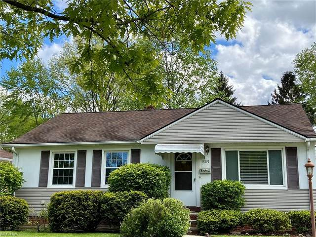 9391 Crestwood Drive, Parma Heights, OH 44130 (MLS #4277413) :: The Tracy Jones Team