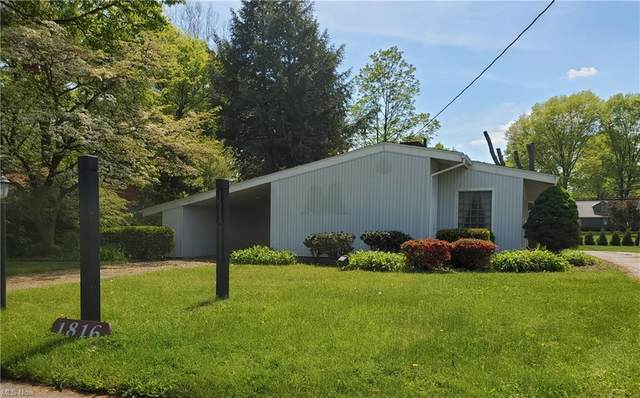 1816 N Wooster Avenue, Dover, OH 44622 (MLS #4278269) :: The Jess Nader Team | RE/MAX Pathway