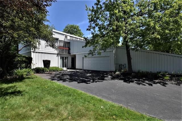 18 Sutton Place #18, Shaker Heights, OH 44120 (MLS #4286705) :: The Crockett Team, Howard Hanna