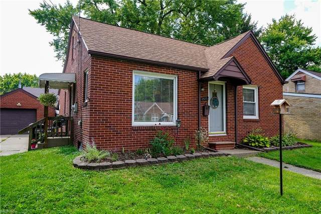 1515 Deville Avenue NW, Canton, OH 44708 (MLS #4298579) :: The Kaszyca Team