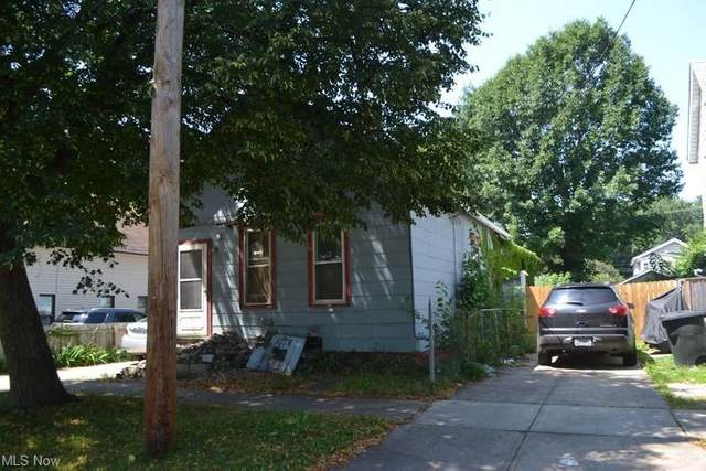 3052 W 43rd Street, Cleveland, OH 44113 (MLS #4302086) :: The Holden Agency