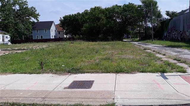 2517 E 79th Street, Cleveland, OH 44104 (MLS #4306479) :: The Jess Nader Team | REMAX CROSSROADS