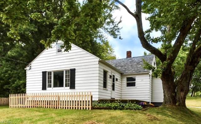 205 52nd Street SW, Canton, OH 44706 (MLS #4308973) :: TG Real Estate