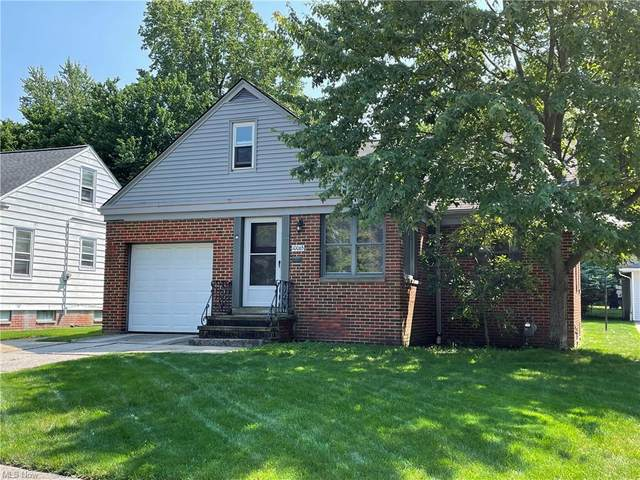 10065 Beaconsfield Drive, Parma Heights, OH 44130 (MLS #4310408) :: The Holden Agency