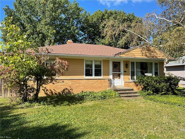 7058 Maplewood Road, Parma Heights, OH 44130 (MLS #4316494) :: Simply Better Realty