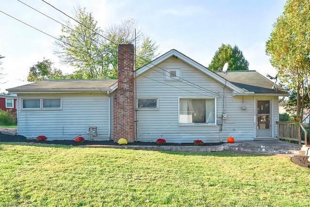14794 Briarwood Road, Newbury, OH 44065 (MLS #4319473) :: Tammy Grogan and Associates at Keller Williams Chervenic Realty