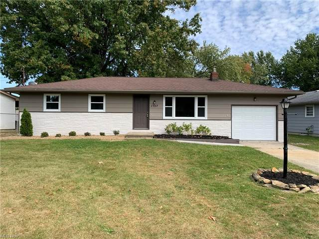 1707 Laurie Drive, Austintown, OH 44511 (MLS #4321567) :: Simply Better Realty