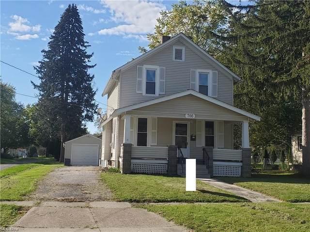 700 Woodland Avenue, Elyria, OH 44035 (MLS #4327080) :: Tammy Grogan and Associates at Keller Williams Chervenic Realty