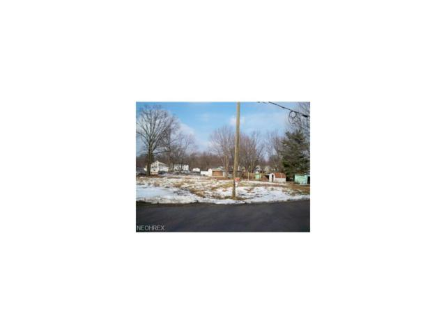Baumford Ave SE, Canton, OH 44707 (MLS #3677341) :: RE/MAX Edge Realty