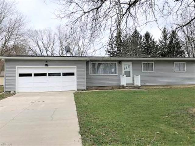 319 Earl Drive, Champion, OH 44483 (MLS #4172026) :: RE/MAX Edge Realty