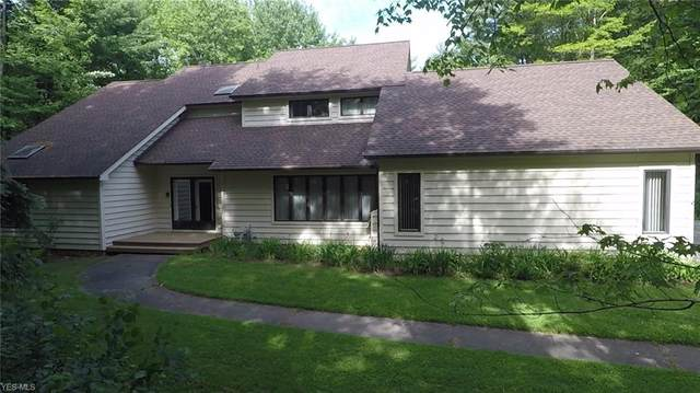 44 Hemlock Lane, Moreland Hills, OH 44022 (MLS #4174295) :: The Holden Agency