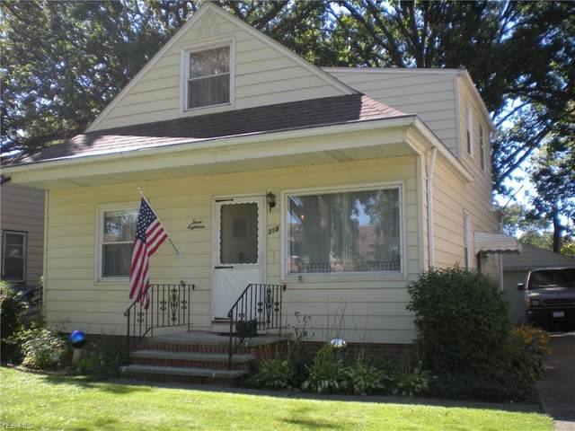 318 E 286th Street, Willowick, OH 44095 (MLS #4206924) :: The Holden Agency