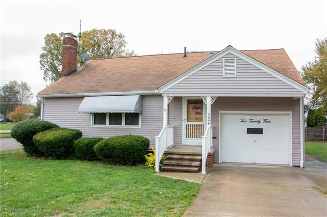 224 Maine Avenue, Lorain, OH 44052 (MLS #4234062) :: Tammy Grogan and Associates at Cutler Real Estate