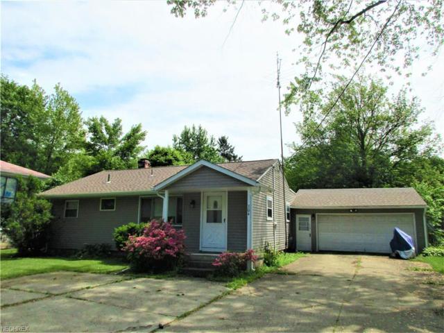 304 Howland Wilson Rd NE, Warren, OH 44484 (MLS #3965282) :: The Crockett Team, Howard Hanna