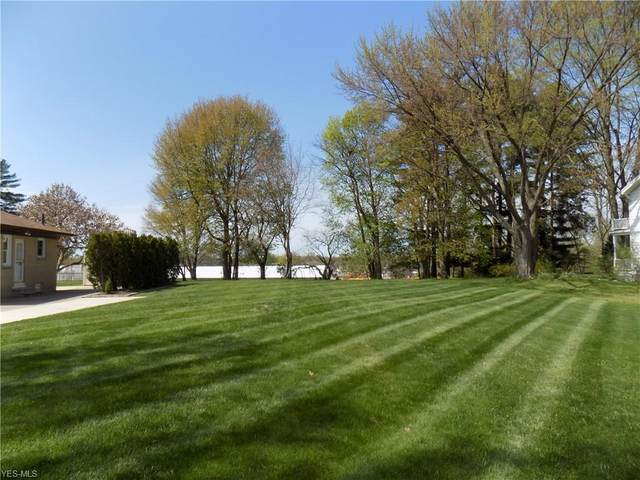 611 Cleveland Avenue, Amherst, OH 44001 (MLS #4118485) :: Tammy Grogan and Associates at Cutler Real Estate