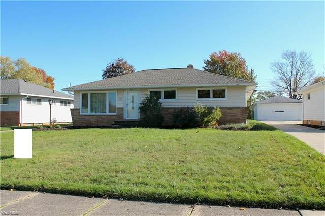 7271 Chateau Drive, Parma, OH 44130 (MLS #4204896) :: Keller Williams Chervenic Realty