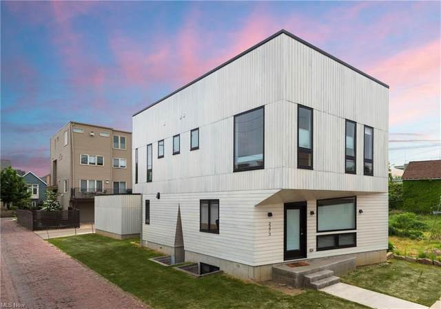 2273 W 6th Street, Cleveland, OH 44113 (MLS #4254057) :: Tammy Grogan and Associates at Keller Williams Chervenic Realty