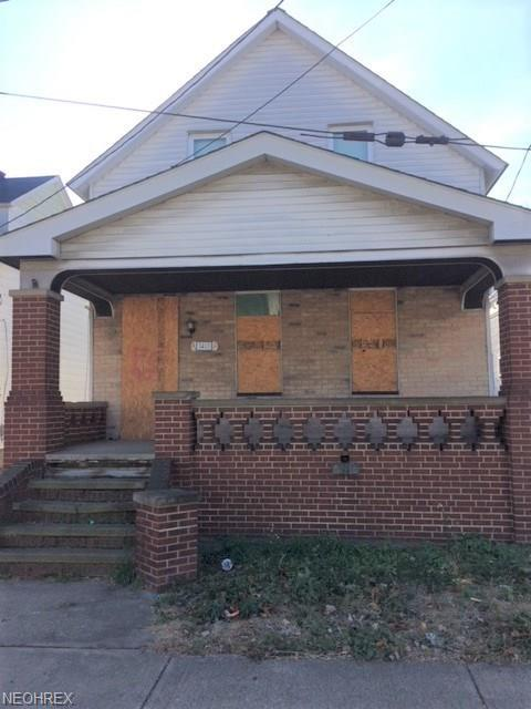 3413 Roehl Ave, Cleveland, OH 44109 (MLS #3973678) :: Keller Williams Chervenic Realty