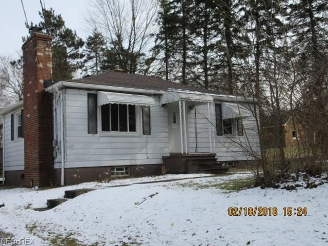 4503 Max Rd, North Canton, OH 44720 (MLS #3974145) :: The Crockett Team, Howard Hanna
