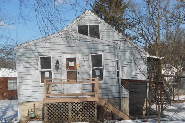 179 W Hiram St, Barberton, OH 44203 (MLS #3974782) :: RE/MAX Edge Realty