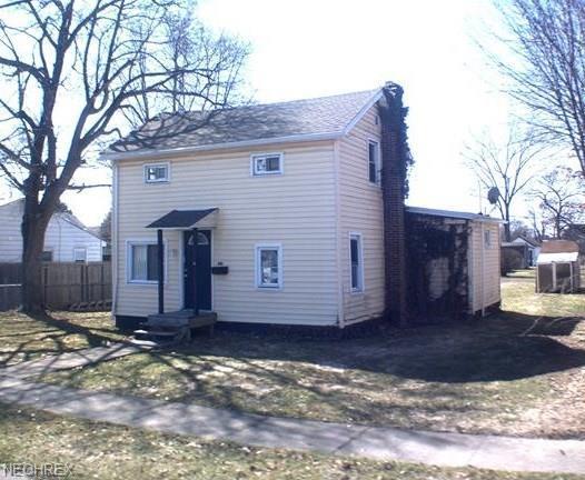 416 N Cedar, Niles, OH 44446 (MLS #3975443) :: RE/MAX Valley Real Estate
