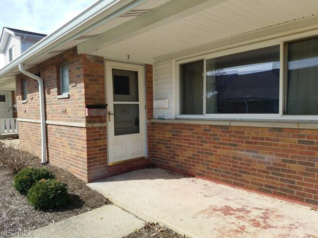 25555 Country Club Blvd #3, North Olmsted, OH 44070 (MLS #3982352) :: The Crockett Team, Howard Hanna