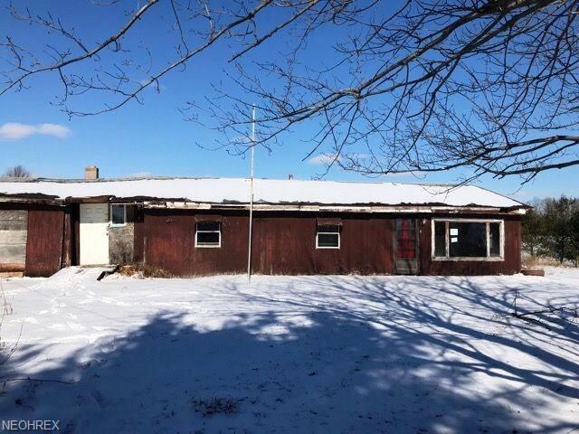 3025 Gem Rd NW, Carrollton, OH 44615 (MLS #3985053) :: Keller Williams Chervenic Realty