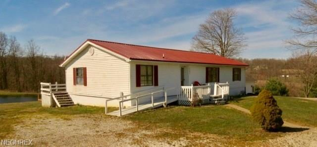 5395 Heckel Drive, Roseville, OH 43777 (MLS #3985084) :: Keller Williams Chervenic Realty