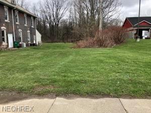 0 Valley St, Crooksville, OH 43731 (MLS #3987391) :: Keller Williams Chervenic Realty