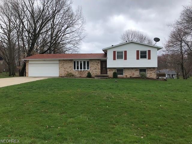 11194 Biddeford Cir NW, Canal Fulton, OH 44614 (MLS #3989903) :: Tammy Grogan and Associates at Cutler Real Estate